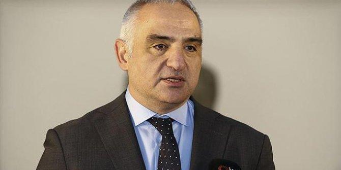 """Bakan Ersoy'dan """"Ormanlarda yapılaşma yetkisi"""" iddialarına yanıt"""