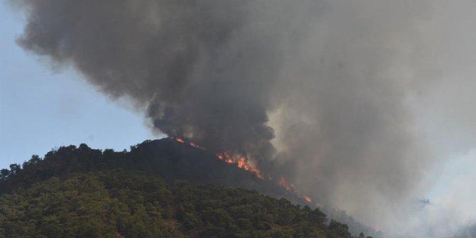 Marmaris'teki yangında 4'üncü gün; alevler Hisarönü ve Orhaniye'de yoğunlaştı