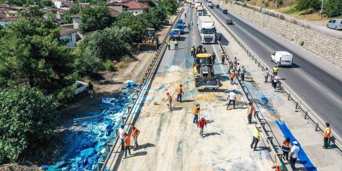 Bursa'da iki tırın çarpıştığı kazada bir kişi yaralandı