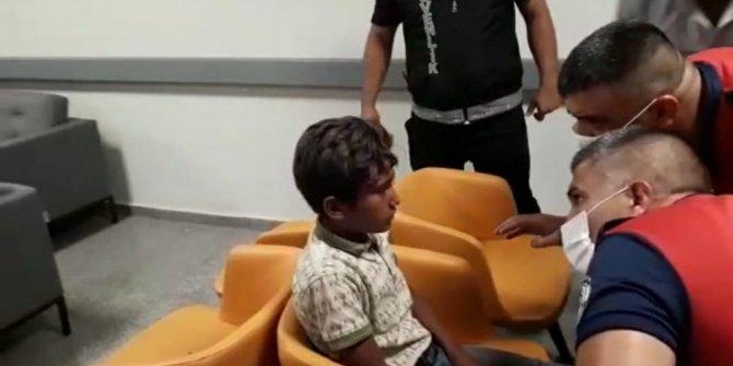 Çocuğun kaşına saplanan olta kancasını acil serviste itfaiye çıkardı