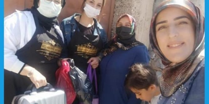 AK Partili kadınlardan örnek davranış