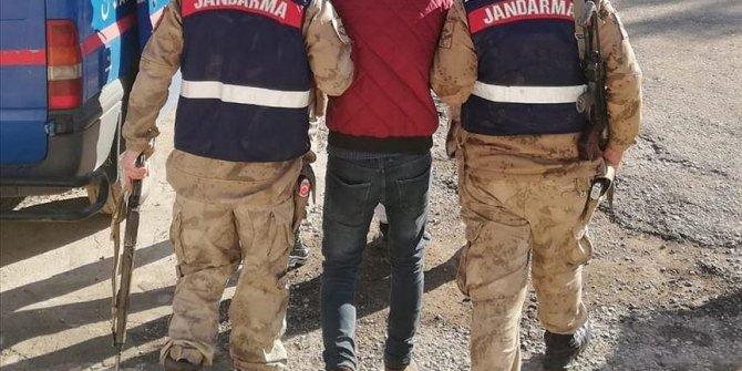 17 irregular migrants held across Turkey