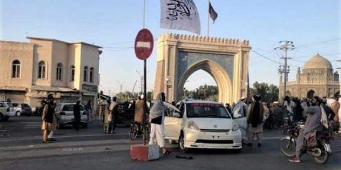 Taliban, Kandahar ve Leşkergah'ı da ele geçirdi
