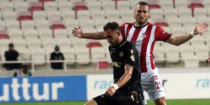 Konyaspor'da Cikalleshi fırsatçılığını yine konuşturdu!