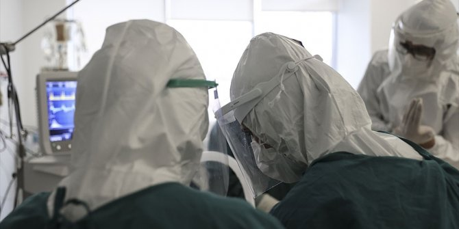 Delta varyantı Kovid-19 yoğun bakımındaki aşısız gençlerin sayısını artırıyor