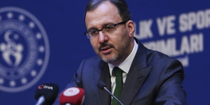 Bakan Kasapoğlu, milli okçuları tebrik etti