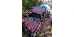Toprak zemine çarpan aracın sürücüsü hayattını kaybetti