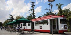 """Konya'da """"Nostaljik Tramvay Kafe"""" zamanda yolculuğa çıkarıyor"""
