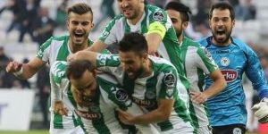 Konyalılar futbolda sevinçli, basketbolda hüzünlü