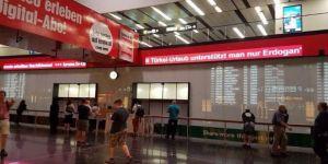 Viyana Havalimanı'ndaki o yazı kaldırıldı