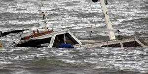 India boat accident kills at least 24