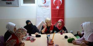 Yabancı gönüllüler sığınmacılar için Kilis'te