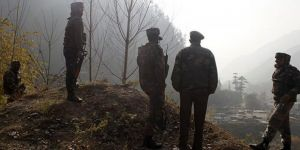 2 Indian troops killed by suspected separatists