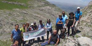 Doğaseverler Dedegöl Dağı'na tırmandı