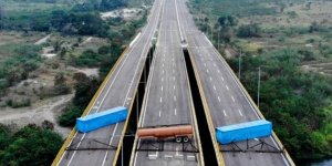 Venezuela'da kriz derinleşiyor! Barikat kurdular