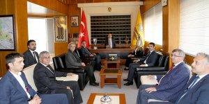 AK Parti ve MHP Teşkilatları Başkan Altay'a hayırlı olsun ziyaretinde bulundu