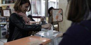 """İspanya'da sandıktan """"siyasi belirsizliğin devamı"""" çıktı"""