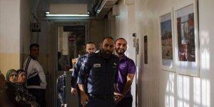 İsrail AA foto muhabirini sınır dışı etmeye çalıştı