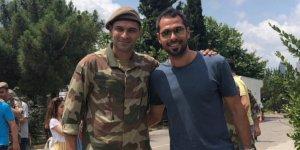 Serkan'dan Volkan'a asker ziyareti