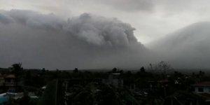 Ulawun yanardağı faaliyete geçti! Binlerce insan tahliye edildi