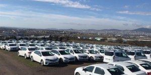 1 günde 97 araç 10'ar dakika arayla yarı fiyatına satılacak
