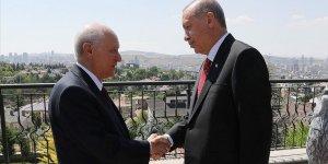 Turkey: President, opposition leader discuss politics