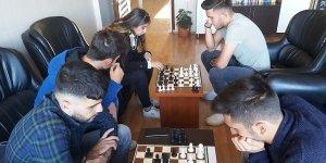 Hadim'de santranç turnuvası düzenlendi