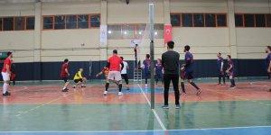Yunak'ta Kaymakamlık Voleybol Turnuvası