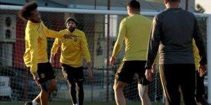 Yeni Malatyaspor, Fenerbahçe'yi Töre, Guilherme ve Bifouma ile yenmeyi planlıyor