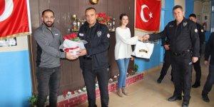Yalıhüyük'te polis memurlarından öğretmenlere ziyaret