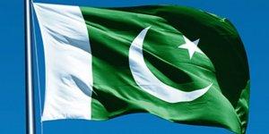 Pakistan Adalet Bakanı Nasim mahkemede hükümeti savunmak için istifa etti