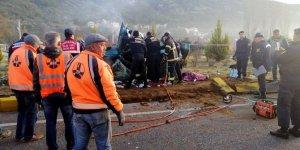 Muğla'da kamyonla otomobil çarpıştı: 2 ölü, 1 yaralı