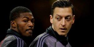 Uluslararası Af Örgütü'nden Mesut Özil'e destek