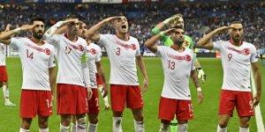 """UEFA'dan A Milli Takım'a """"asker selamı"""" cezası"""