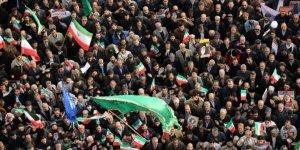 Protesto gösterilerinin ardından İran'da siyaset ısınıyor