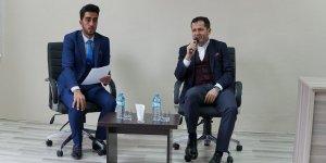 AK Parti Konya Milletvekili Ziya Altunyaldız öğrencilerle buluştu