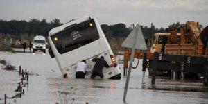Antalya'da şiddetli yağıştan dolayı tarım arazileri sular altında kaldı