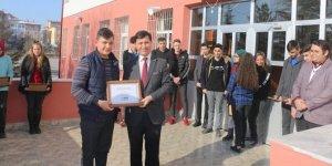 Kaymakam Kadiroğlu'nun okul ziyareti