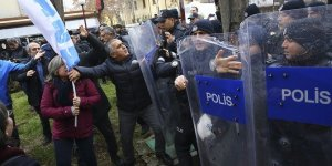 Başkent'te izinsiz gösteriye müdahale: 19 gözaltı