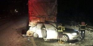 Şanlıurfa'da otomobilin tırla çarpışması sonucu 3 kişi öldü