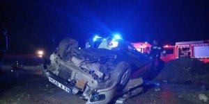 Konya'da otomobilin şarampole devrilmesi sonucu 1 kişi öldü, 2 kişi yaralandı