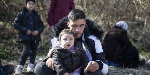 """Ravas ailesi: """"Konya'dan buraya geldik, İnşallah sınırı geçeriz"""""""