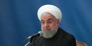 """İran Cumhurbaşkanı Ruhani: """"Bilinçli sosyal mesafe uygulamasına geçeceğiz"""""""