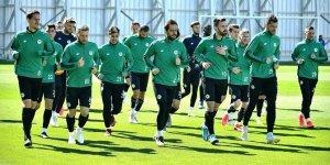 Konyaspor, Fenerbahçe karşısında çıkış arıyor
