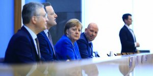 Merkel'den koronavirüsle mücadelede dayanışma çağrısı