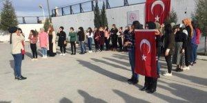 Mehmet Akif Ersoy, işaret diliyle İstiklal Marşı okuyarak anıldı