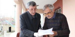 Yunak'ta yaşlıların maaşları evlerine götürülüyor