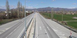Ayda 225 bin aracın kullandığı Konya-Antalya kara yolu en sakin günlerini yaşıyor
