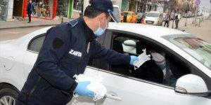 Kırıkkale'de 50 bin maskenin ücretsiz dağıtımına başlandı