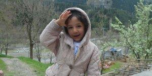 Asker selamı veren küçük Damla, Türkiye'nin beğenisini kazandı